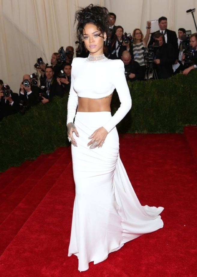 resized rihanna-costume-institue-gala-met-ball-new-york-may-2014