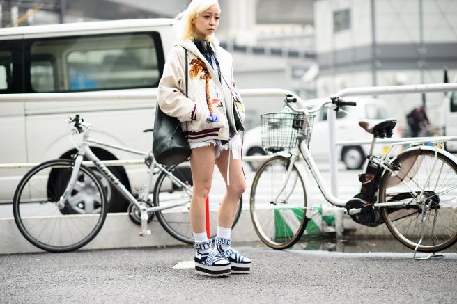 04-fashion-week-tokyo-street-style-fall-2015-10