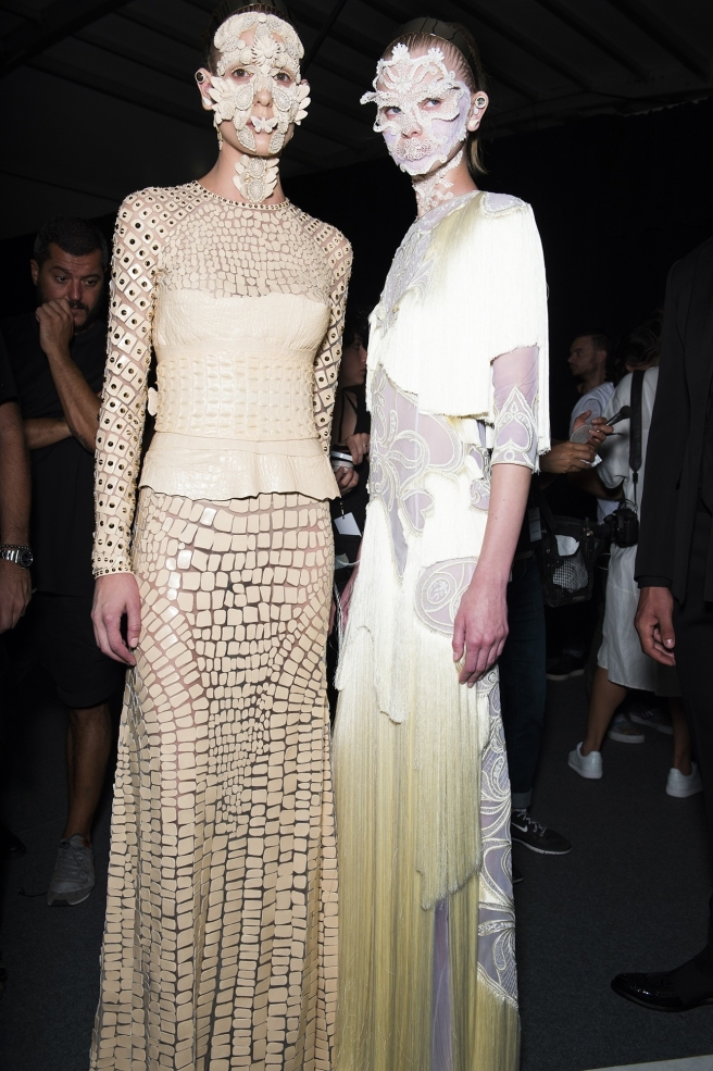 givenchy-and-marina-abramovic-take-new-york-with-a-stunning-spectacle-body-image-1442081827