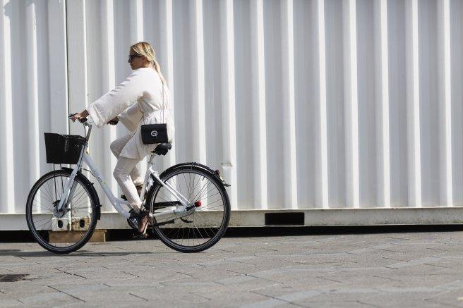 copenhagen-bike-fashion-week-street-style-09