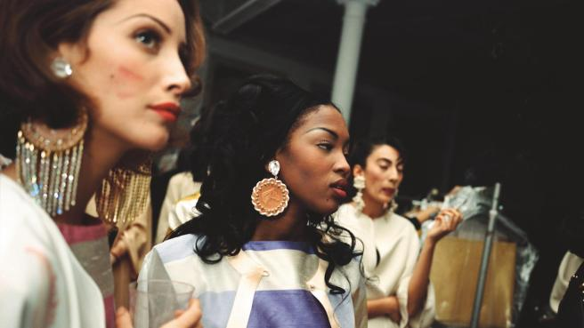 supermodels-techno-and-isaac-mizrahi-the-wild-world-of-the-early-90s-new-york-fashion-scene-1457022514